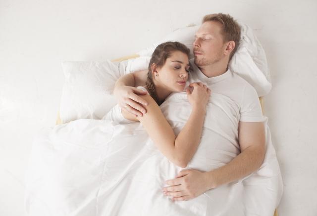 添い寝する夢