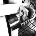 【夢占い】監禁の夢。する、される、逃げる等の意味